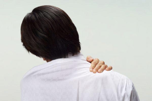 明石市の寿整骨院が「四十肩・五十肩」のお悩みを改善します!