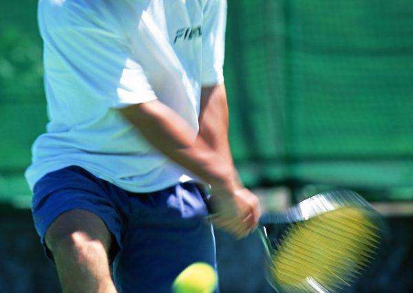 明石市の寿整骨院が「テニス肘」のお悩みを改善します!